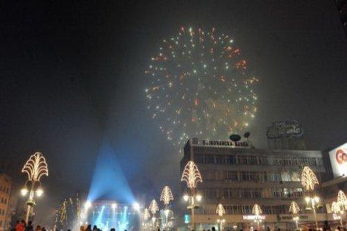 Na trgu u Nišu za doček Bojana Vasev, Novembar, Eyot i Kerber