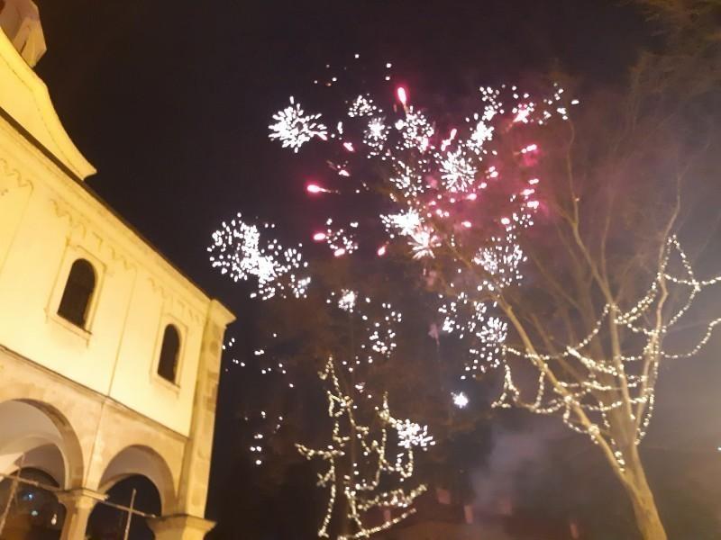 """Ко вечерас слави Јулијанску, Стару, Православну - """"Српску нову годину"""""""