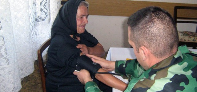 """""""Војни лекар на селу"""" - обилазак пацијента у прокупачком крају"""