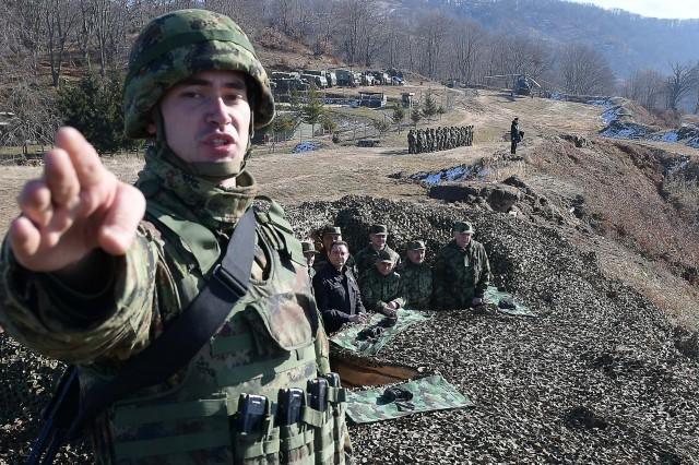 Војска и на Божић обезбеђује мир у Копненој зони