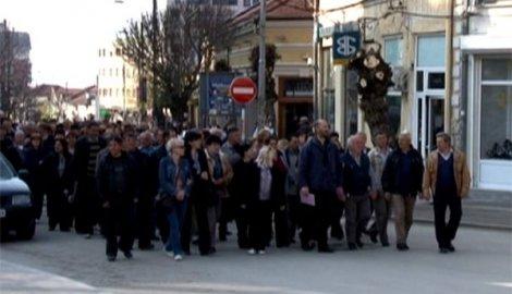 Radnici odblokirali autoput Niš-Skoplje kod Vranja