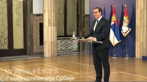 Novinari konačno izašli iz blokirane zgrade Predsedništva, nakon vanrednog obraćanja predsednika Vučića