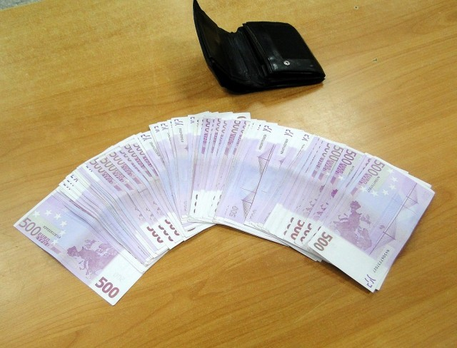 Четрдесетдве хиљаде евра у новчанику