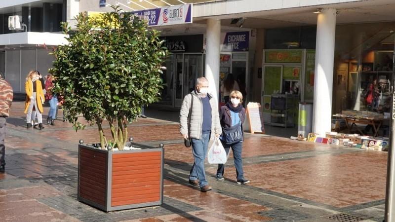 Zamenjene betonske žardinjere - humaniji izgled za lepši grad