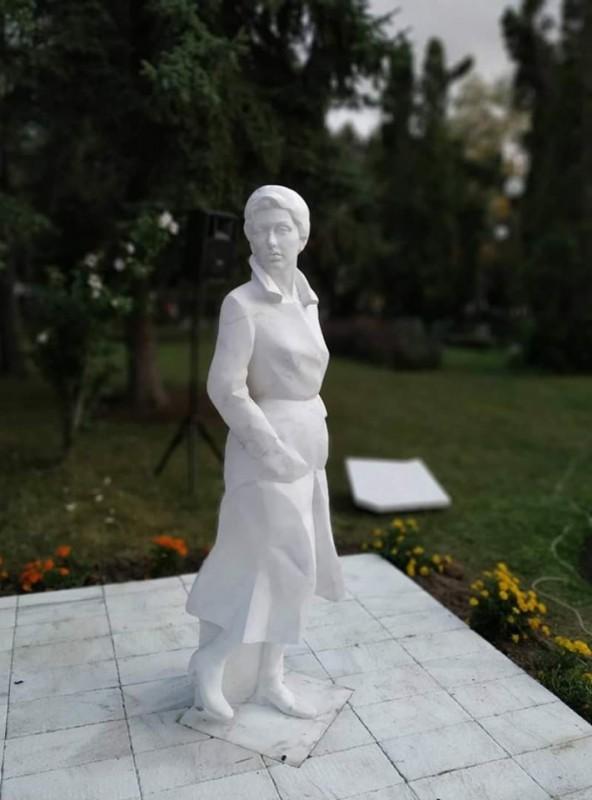 Сврљижани се одужили својој суграђанки: Откривен споменик Злати Петковић