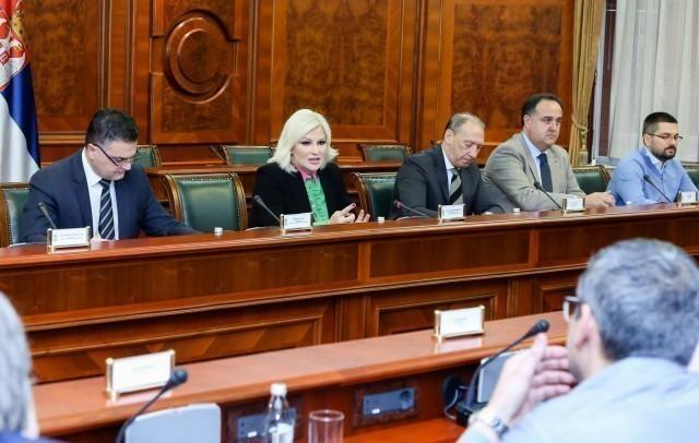Зорана Михајловић са извођачима на Коридору 10