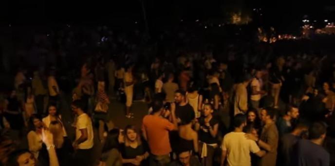 Како указати младима да журке на Кеју нису добре за њихово здравље